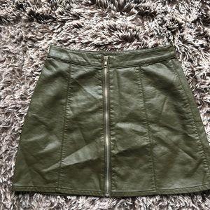 Forever 21 vegan leather green mini skirt zipper S